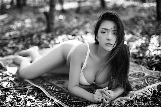 Thiên thần vòng một Thái Lan gây sốt với bộ nội y khoe trọn đôi gò bồng đảo - Ảnh 17.