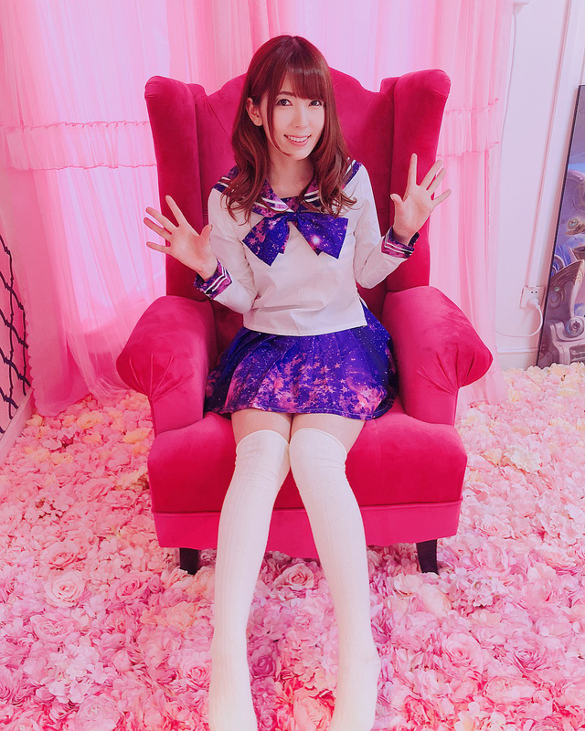 Ngắm loạt ảnh cosplay đầy nóng bỏng của nữ thần phim người lớn Yui Hatano - Ảnh 12.