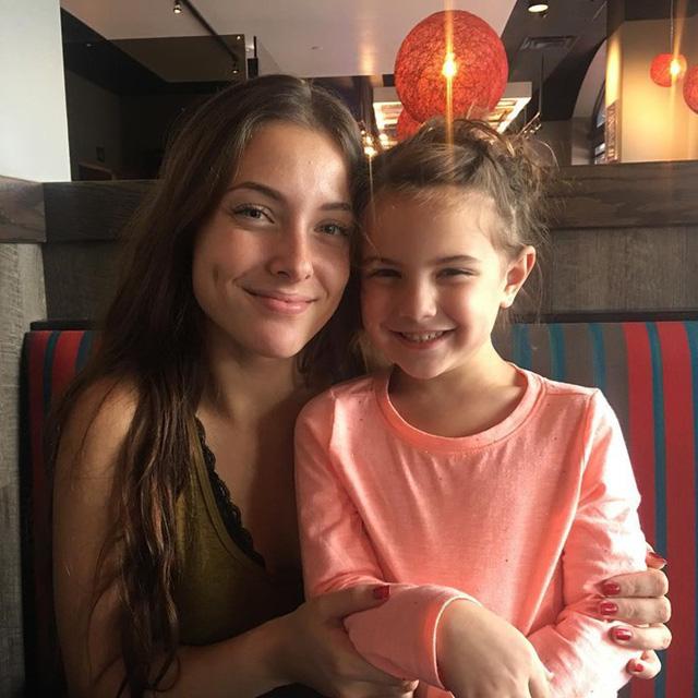 Con gái Iron Man đăng tải video cầu cứu vì hứng chịu nhiều sự bắt nạt trên mạng xã hội - Ảnh 3.