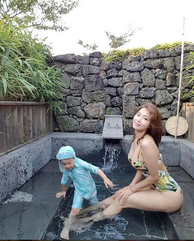 Ngắm nhìn vẻ gợi cảm của bà mẹ một con nóng bỏng nhất trên Instagram Hàn Quốc - Ảnh 5.