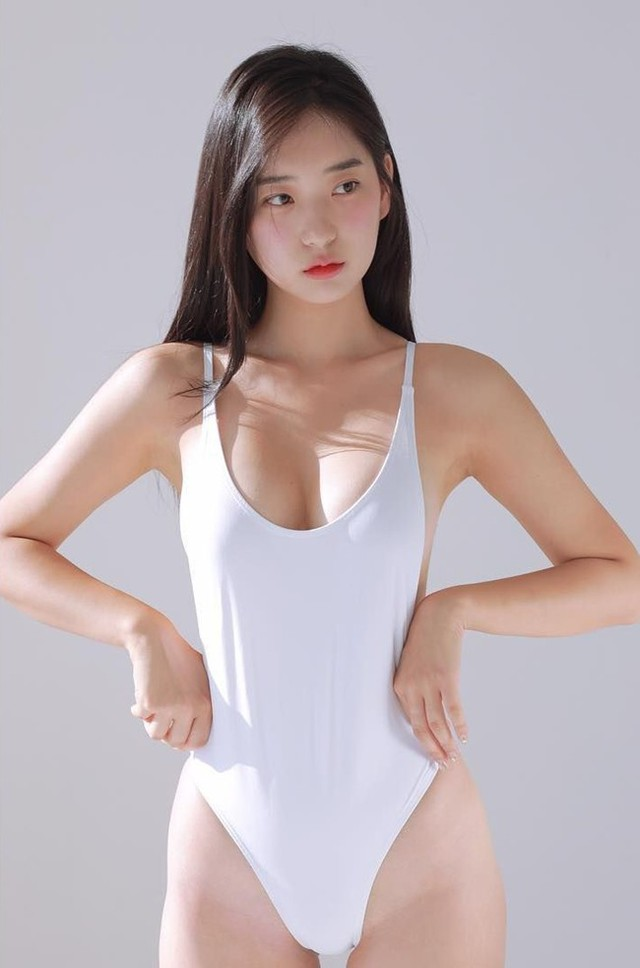 Cận cảnh hai gái xinh Hàn Quốc: Ngây thơ đời thường nhưng khi lên ảnh thì nóng bỏng hết phần người khác - Ảnh 3.