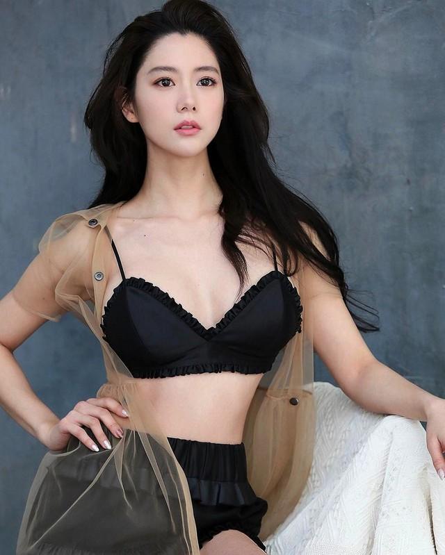 Vẻ quyến rũ của bom sex xứ Hàn, gái xinh gợi cảm tới mức bị ông chủ quấy rối gạ gẫm - Ảnh 4.