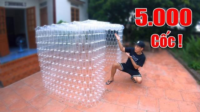 Tiếp tục xây nhà bằng 5000 cốc nhựa, NTN tự nhận mình rất thiếu ý thức - Ảnh 3.