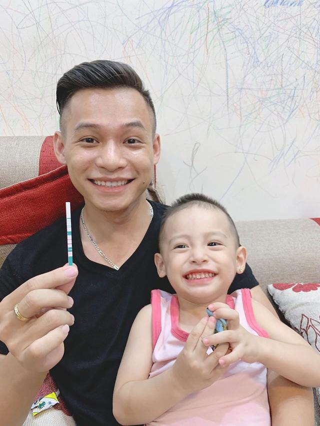 Chuyện tình cảm của Tứ Hoàng streamer Việt: Người hạnh phúc bên bạn gái kém 13 tuổi, kẻ lẻ bóng sau mối tình 4 năm - Ảnh 3.