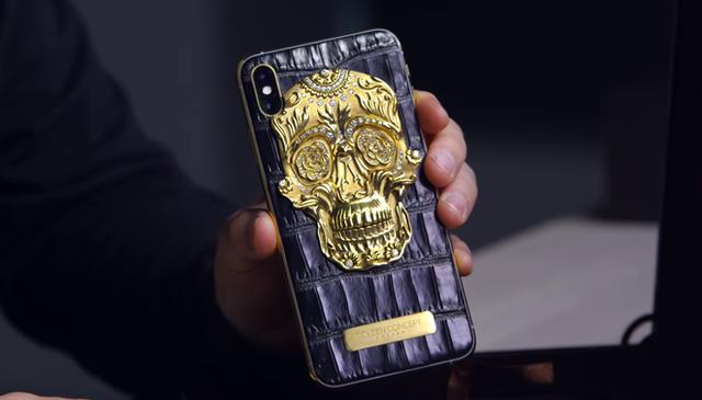 Cận cảnh chiếc iPhone xịn nhất thế giới: Bọc da cá sấu, mạ vàng 18K, nạm trăm viên kim cương - Ảnh 2.