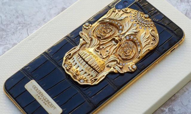 Cận cảnh chiếc iPhone xịn nhất thế giới: Bọc da cá sấu, mạ vàng 18K, nạm trăm viên kim cương - Ảnh 3.