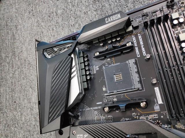 Cận cảnh cặp đôi MEG X570 ACE và MPG X570 Gaming Pro Carbon - Bo mạch chủ tuyệt phẩm đón đầu Ryzen 3000 của MSI - Ảnh 6.