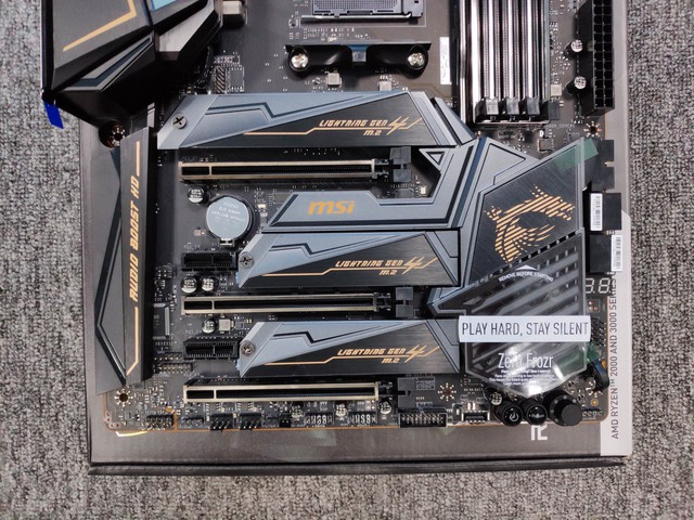 Cận cảnh cặp đôi MEG X570 ACE và MPG X570 Gaming Pro Carbon - Bo mạch chủ tuyệt phẩm đón đầu Ryzen 3000 của MSI - Ảnh 18.