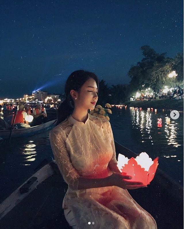 Nhan sắc của hai gái xinh trên mạng xã hội Hàn Quốc - thần vệ nữ khiến cánh đàn ông phải quỳ gối xin hàng - Ảnh 17.