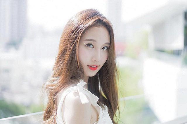 Cận cảnh nhan sắc thần tiên tỷ tỷ của hotgirl hoàn hảo nhất Đông Nam Á, ngại làm người mẫu vì bận học - Ảnh 4.