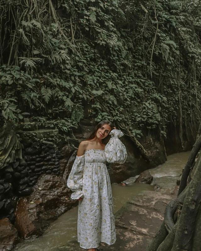Dùng nước thiêng ở ngôi đền nổi tiếng Bali để… rửa mông, cặp người mẫu nhận chỉ trích gay gắt từ cộng đồng mạng - Ảnh 10.
