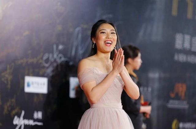 Hóa ra chị gái Hoa Mộc Lan trong teaser Mulan 2020 của Lưu Diệc Phi là nữ diễn viên gốc Việt - Ảnh 4.