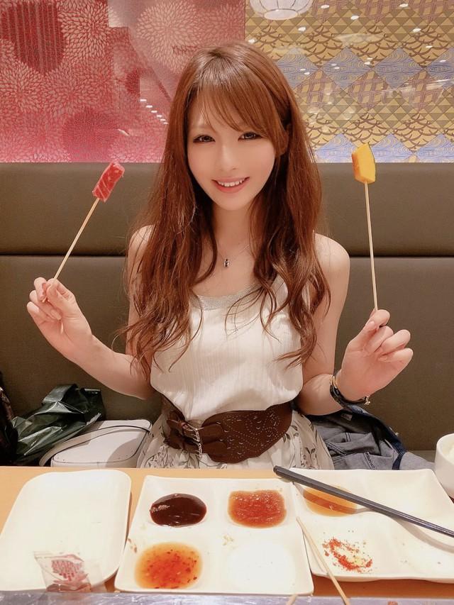 Hoa hậu phim người lớn Nhật Bản tiết lộ gu người yêu đơn giản đến bất ngờ: Chỉ cần sạch sẽ và vui tính là đủ - Ảnh 1.