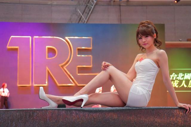 Hoa hậu phim người lớn Nhật Bản tiết lộ gu người yêu đơn giản đến bất ngờ: Chỉ cần sạch sẽ và vui tính là đủ - Ảnh 2.