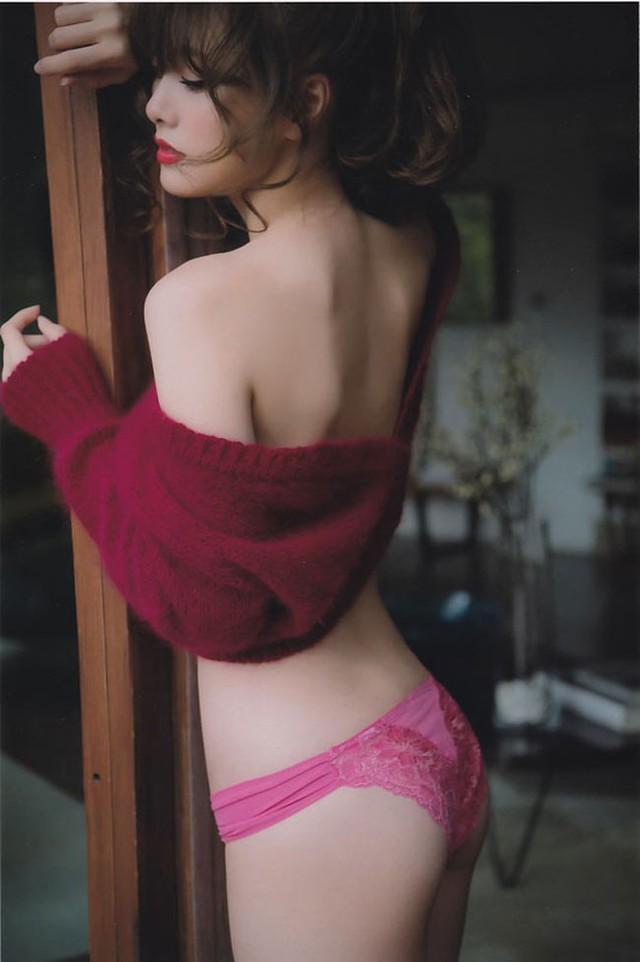 Quyến rũ với nhan sắc mỹ miều của hot girl Nhật Bản, từng bị quấy rối vì quá xinh đẹp - Ảnh 16.