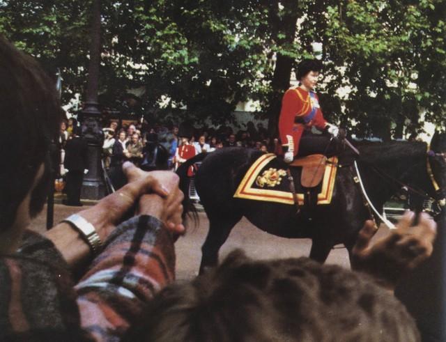 Hai vụ ám sát hụt bị giấu kín gần 40 năm: Chỉ trong 1 năm Nữ hoàng Anh 2 lần suýt mất mạng, danh tính những kẻ chủ mưu không ai ngờ - Ảnh 8.