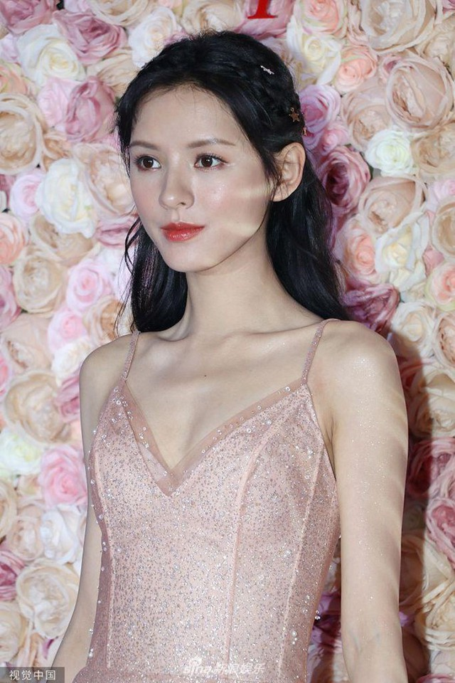 Những bóng hồng xinh đẹp trong danh sách tình trường của Vương Tư Thông - thiếu gia giàu nhất làng game Trung Quốc - Ảnh 2.