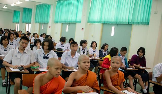 Bá đạo như các nhà sư trẻ Thái Lan, không những tham gia mà còn vô địch luôn cả giải thể thao điện tử - Ảnh 3.
