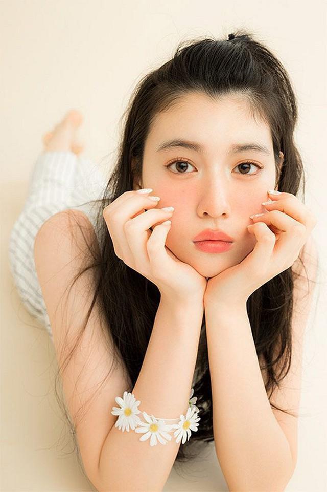 Chán làm ngọc nữ, hot girl Lưu Diệc Phi của Nhật Bản lột xác gợi cảm, chụp ảnh bìa tạp chí Playboy - Ảnh 6.