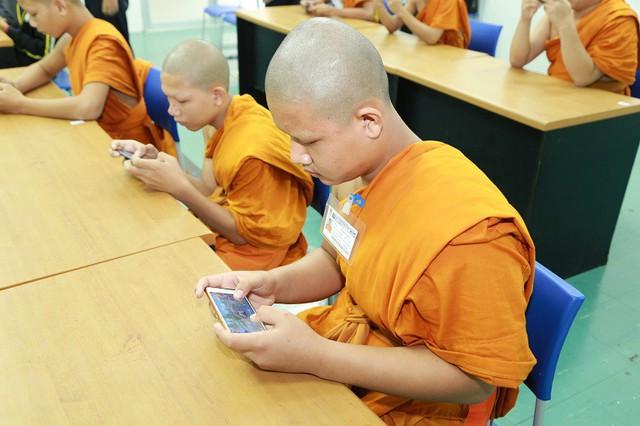 Bá đạo như các nhà sư trẻ Thái Lan, không những tham gia mà còn vô địch luôn cả giải thể thao điện tử - Ảnh 4.