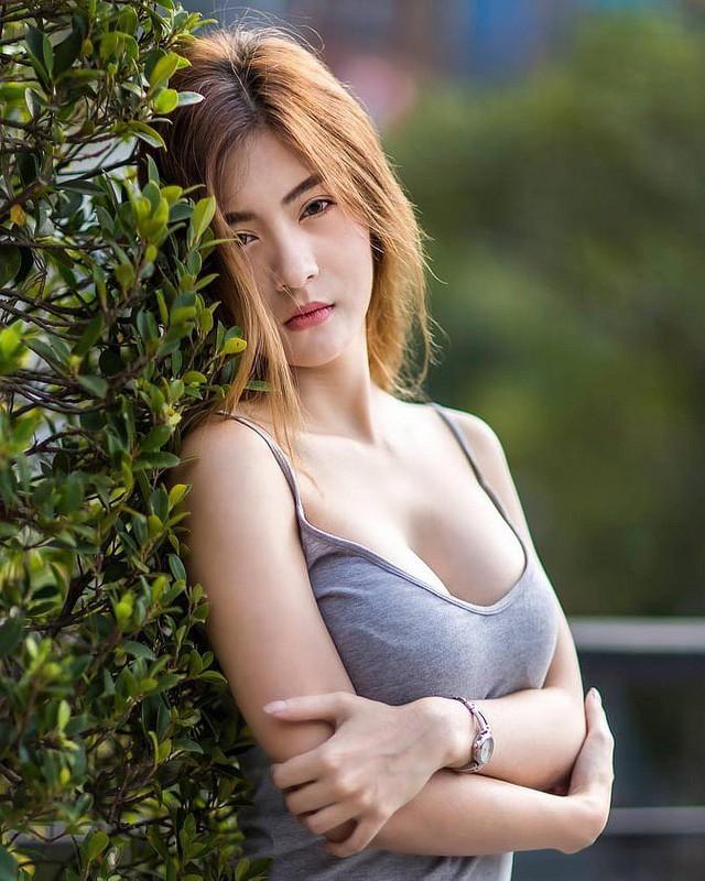 Gục ngã trước nhan sắc nóng bỏng của cô nàng hot girl xứ sở chùa Vàng - Ảnh 24.
