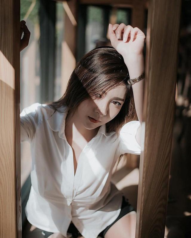 Gục ngã trước nhan sắc nóng bỏng của cô nàng hot girl xứ sở chùa Vàng - Ảnh 5.
