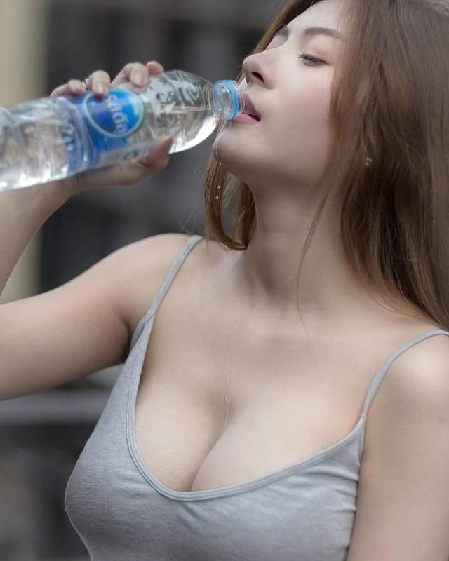 Gục ngã trước nhan sắc nóng bỏng của cô nàng hot girl xứ sở chùa Vàng - Ảnh 43.