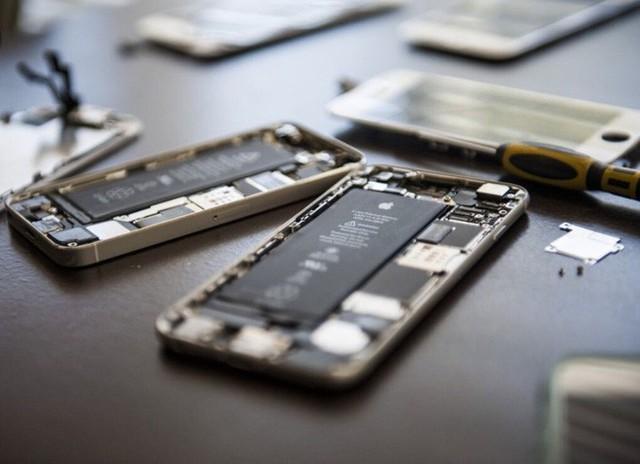 Apple sẽ cho phép các cửa hàng sửa chữa smartphone ngoài mua linh kiện iPhone - Ảnh 2.