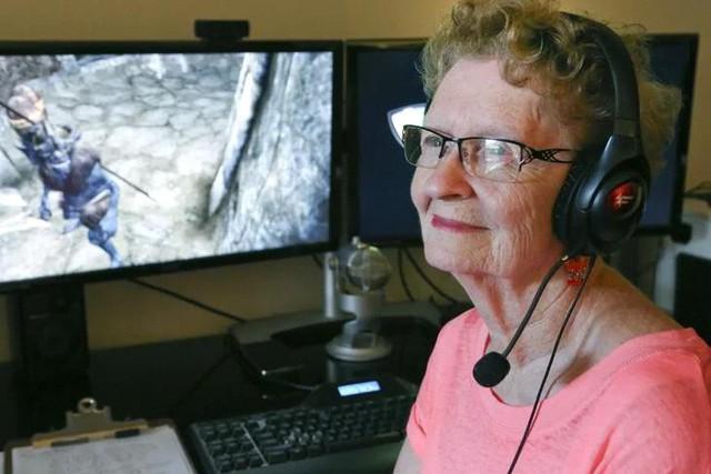 10 kỷ lục thế giới thú vị và kỳ lạ nhất liên quan đến game, trong đó có cụ bà Youtuber già nhất thế giới - Ảnh 3.