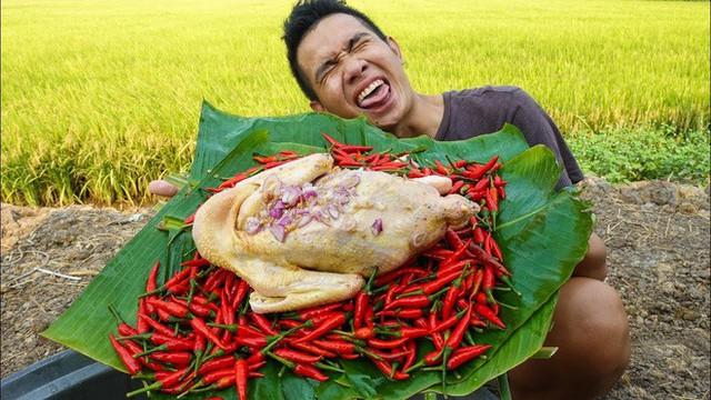 5 kênh du lịch - ẩm thực hot nhất miền Tây: Khoai Lang Thang sắp đạt nút vàng, một YouTuber trẻ tuổi khác đã làm được điều đó từ lâu - Ảnh 34.