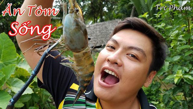 5 kênh du lịch - ẩm thực hot nhất miền Tây: Khoai Lang Thang sắp đạt nút vàng, một YouTuber trẻ tuổi khác đã làm được điều đó từ lâu - Ảnh 47.