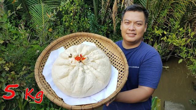 5 kênh du lịch - ẩm thực hot nhất miền Tây: Khoai Lang Thang sắp đạt nút vàng, một YouTuber trẻ tuổi khác đã làm được điều đó từ lâu - Ảnh 49.