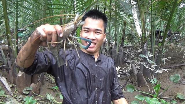 5 kênh du lịch - ẩm thực hot nhất miền Tây: Khoai Lang Thang sắp đạt nút vàng, một YouTuber trẻ tuổi khác đã làm được điều đó từ lâu - Ảnh 61.