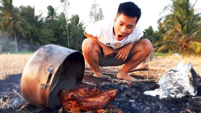 5 kênh du lịch - ẩm thực hot nhất miền Tây: Khoai Lang Thang sắp đạt nút vàng, một YouTuber trẻ tuổi khác đã làm được điều đó từ lâu - Ảnh 65.