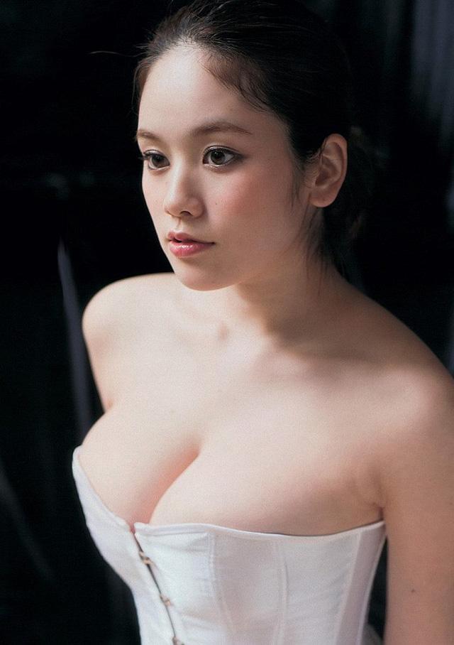 Chảy máu mũi với gái xinh được khao khát nhất Nhật Bản: Sở hữu số đo 3 vòng 89-60-85 và từng bị sàm sỡ ngay trên sóng - Ảnh 13.