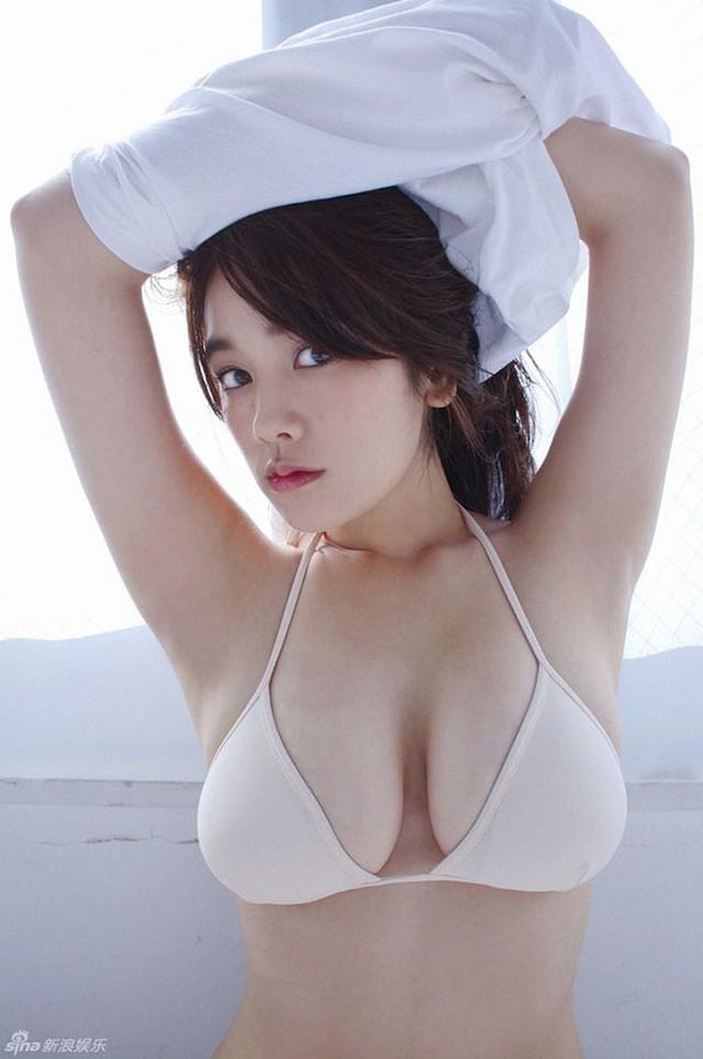 Chảy máu mũi với gái xinh được khao khát nhất Nhật Bản: Sở hữu số đo 3 vòng 89-60-85 và từng bị sàm sỡ ngay trên sóng - Ảnh 31.