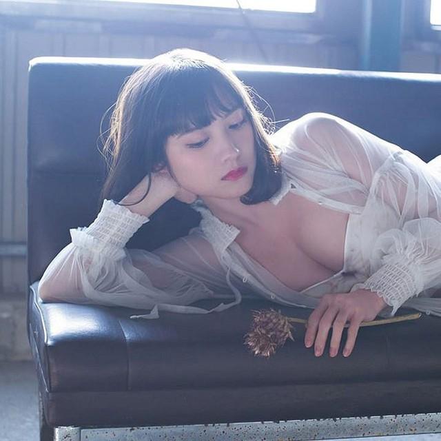 Sững sờ trước cô nàng hot girl Nhật Bản đa tài, đang từ cosplayer lột xác thành người mẫu nội y gợi cảm - Ảnh 3.
