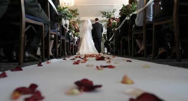 Vị triệu phú sẵn sàng trả 424 triệu thuê trai đẹp để quyến rũ và thử lòng vợ sắp cưới - Ảnh 2.