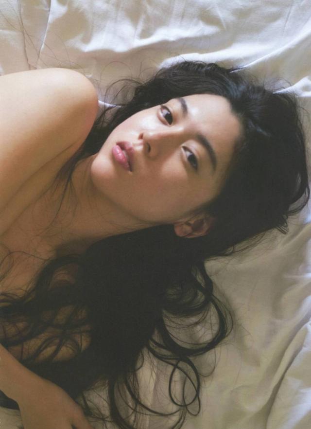 Nhan sắc của hot girl Nhật Bản gây sốt: Xinh như búp bê nhưng lại nghiện cởi - Ảnh 5.