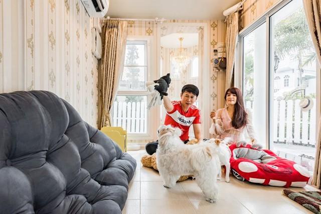 Biệt thự chó sang chảnh nhất thế giới: Có cả máy lạnh, giường ngủ, 3 người cùng ở cũng được! - Ảnh 5.
