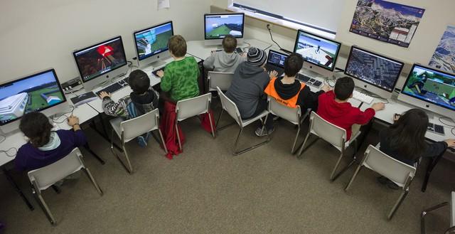Xuất hiện những Ngôi trường điện tử, đưa game vào để dạy kỹ năng sống và sinh tồn - Ảnh 1.