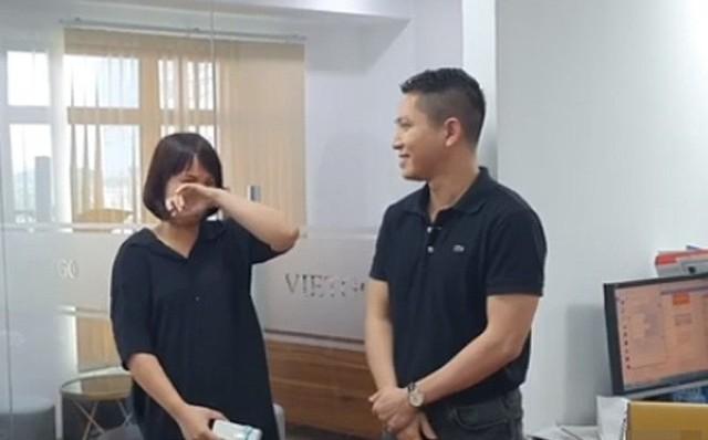 Nữ nhân viên văn phòng ở Hà Nội bất ngờ được sếp tặng quà trị giá gần 1 tỷ đồng - Ảnh 1.