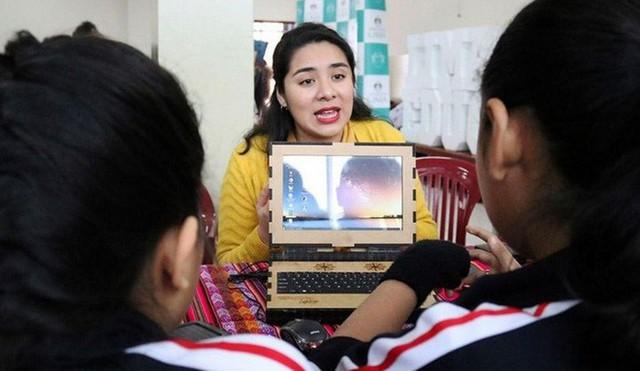 Công ty Peru này tạo ra những chiếc laptop bọc gỗ có một không hai, bền bỉ từ khi còn tiểu học đến lúc vào đại học - Ảnh 5.