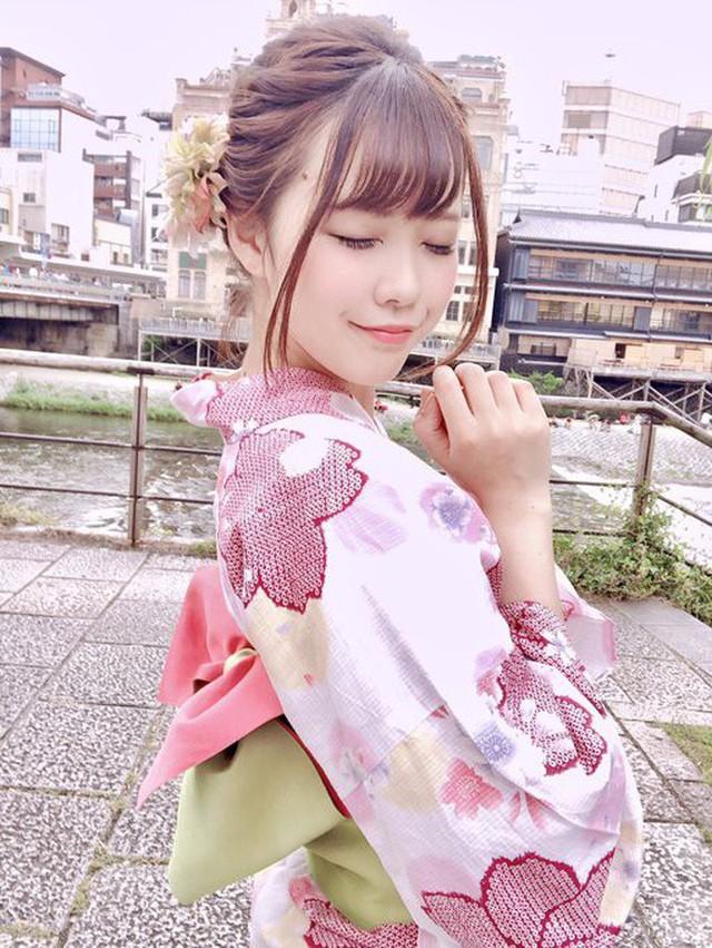 Nữ thần cosplayer xinh đẹp bỗng chốc khiến fan ú ớ, há hốc mồm sau pha pose ảnh đời thật không chỉnh sửa - Ảnh 6.