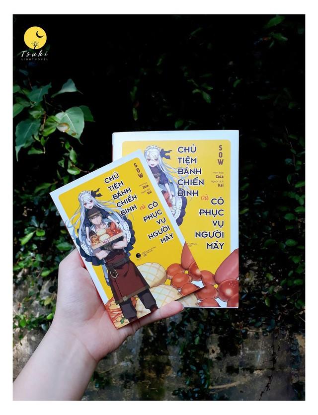 """Light Novel """"Chủ tiệm bánh chiến binh và cô phục vụ người máy"""" chính thức ra mắt với độc giả tại Việt Nam - Ảnh 2."""