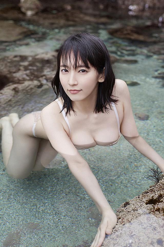 Mê hồn với tiên nữ tắm suối nóng bỏng ở Nhật Bản, giỏi thư pháp lại còn biết chơi cả kèn saxophone - Ảnh 17.