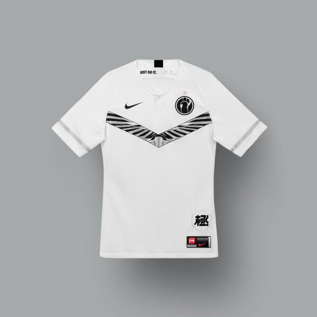 LMHT: Nike ra mắt mẫu áo thi đấu mới toanh cho các game thủ LPL mùa giải 2020 - Ảnh 5.