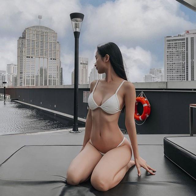 Liên tục tung ảnh mặc bikini nóng bỏng, Jun Vũ rũ bỏ hoàn toàn hình tượng hot girl trong sáng khiến nhiều fan sững sờ - Ảnh 3.