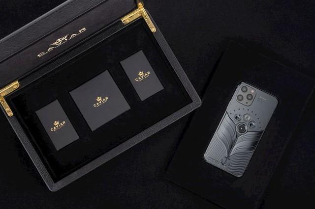 Phiên bản iPhone 11 được chế tác từ mảnh vỡ tàu Titanic và tàu vũ trụ Vostok-1, giá từ 784 triệu đồng - Ảnh 5.
