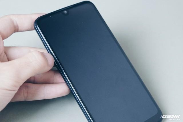Mổ bụng Vsmart Star: Bên trong smartphone giá rẻ của Vsmart có gì? - Ảnh 1.